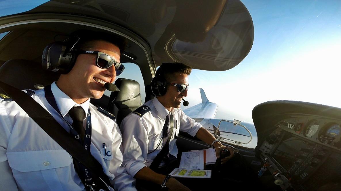 CESDA DA42 Flight Instruction