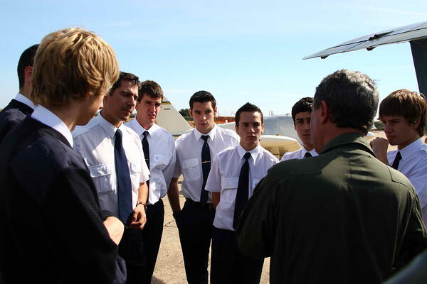 Alumnos de CESDA, escuela de pilotos (Reus). Aviación.
