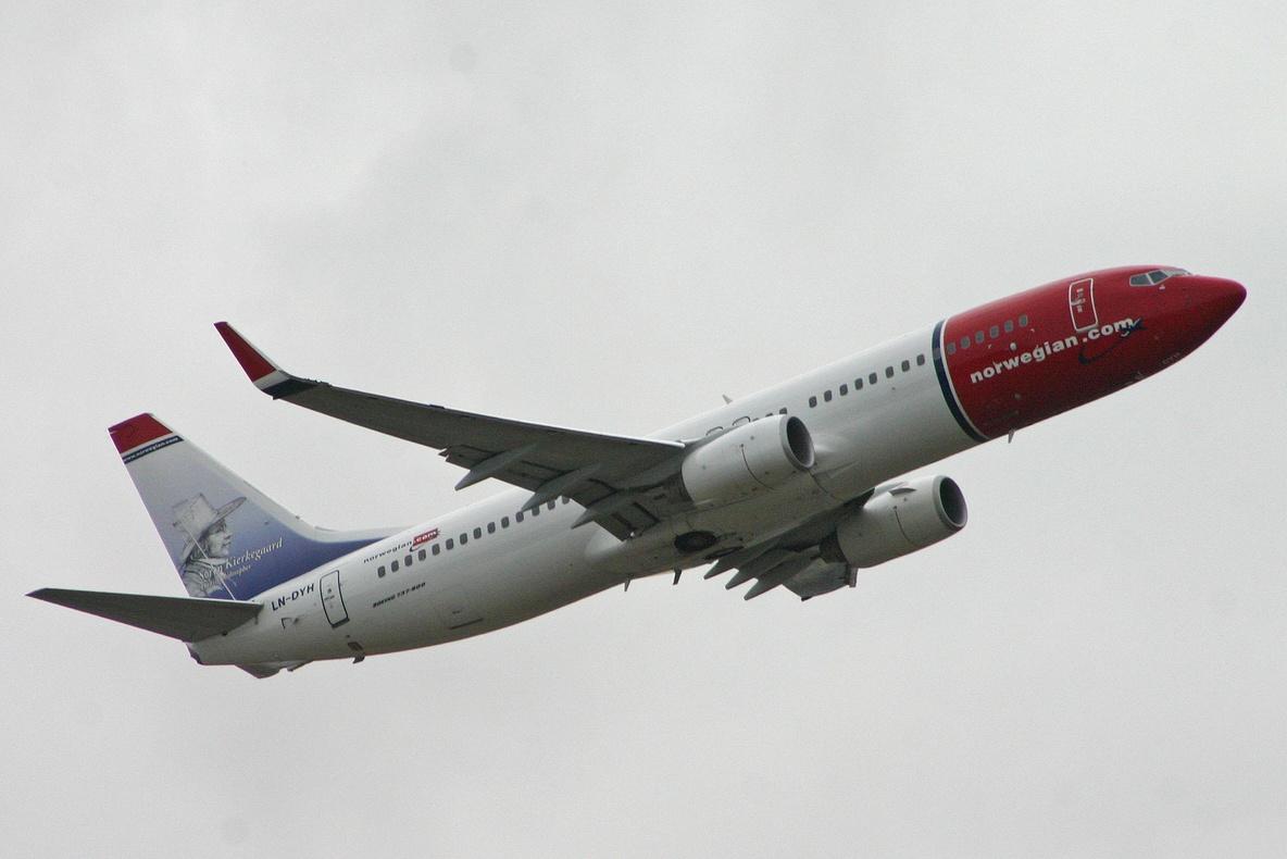 """""""CESDA, Piloto aviación comercial, Escuela de pilotos, Boeing 737-8JP Norwegian"""""""