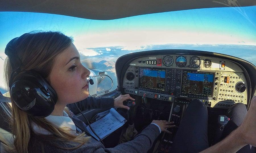 Cómo-es-el-camino-desde-inicio-hasta-el-final-del-grado-de-piloto-en-CESDA-cuarto-curso