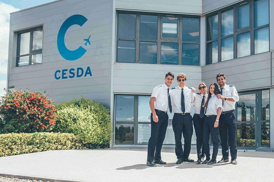Cómo-es-el-camino-desde-inicio-hasta-el-final-del-grado-de-piloto-en-CESDA-presentarse a convocatoria de compañía