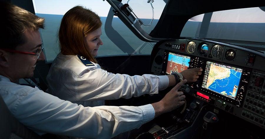 Cómo-es-el-camino-desde-inicio-hasta-el-final-del-grado-de-piloto-en-CESDA-simuladores