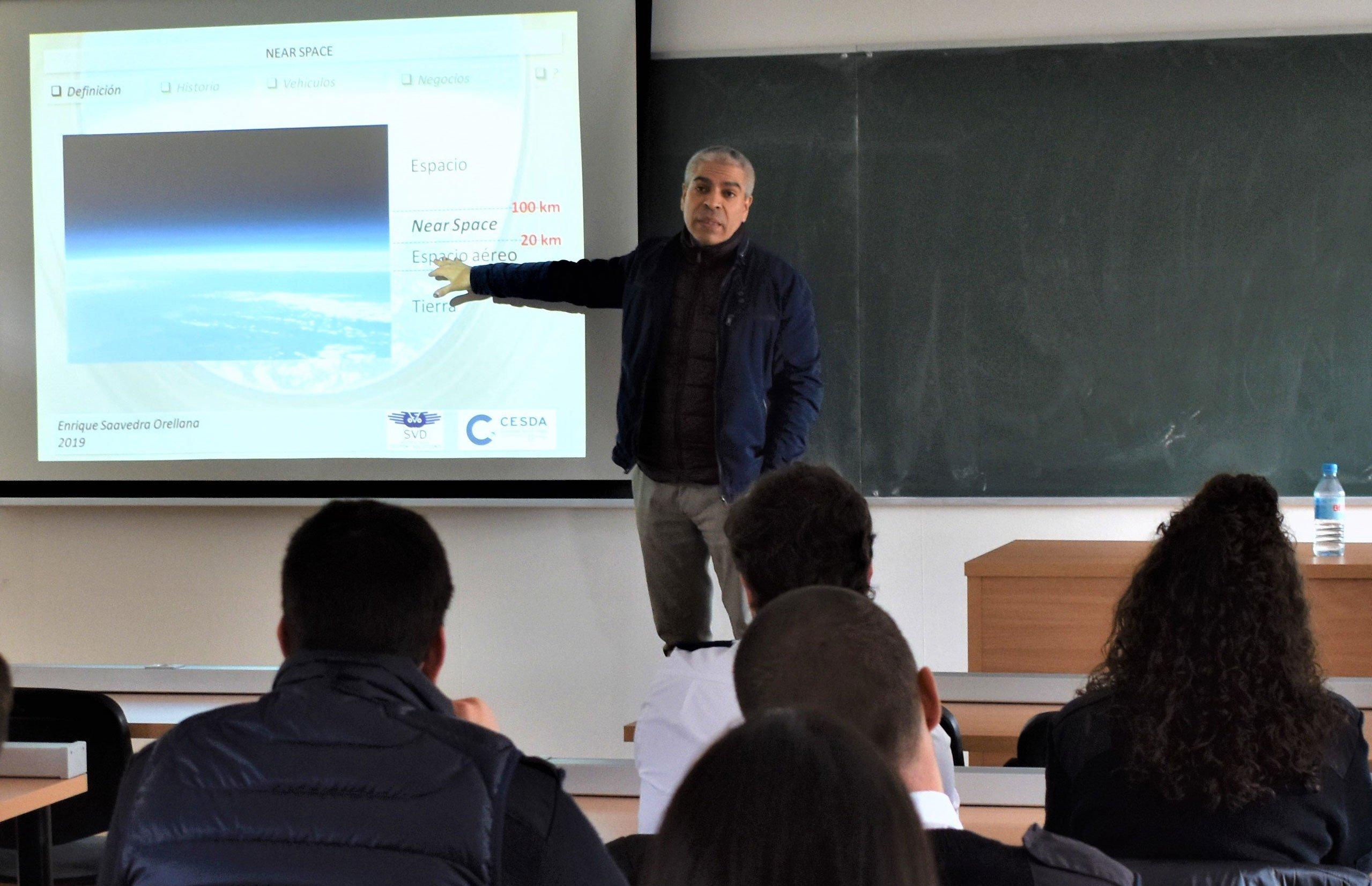 Conferencia Near Space en el día CESDA 2019