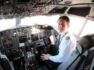 """CESDA, Piloto aviación comercial, Escuela de pilotos, Inserción laboral"""