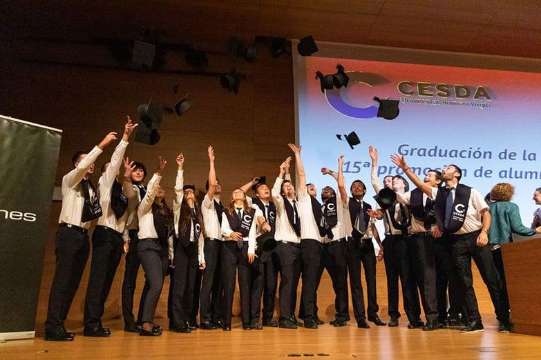 graduacion-cesda-lanzando
