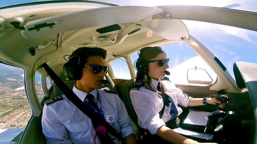 Cumple tu sueño de ser piloto de avión