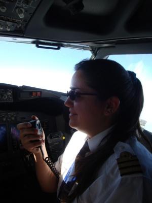 Oneka Salazar a bordo de un B737